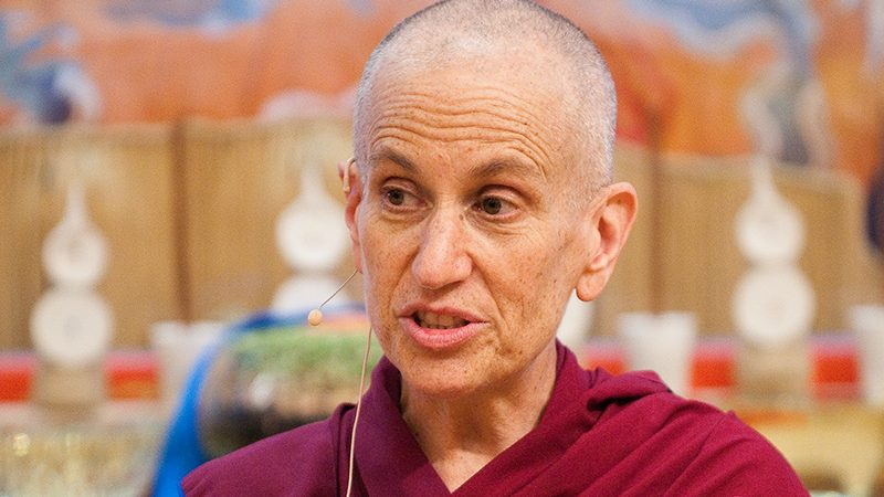 Che cosa significa vedere il guru come un buddha